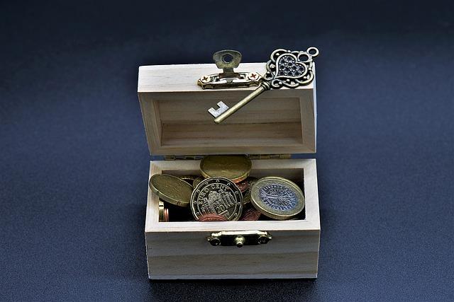 truhlička s penězi, klíč